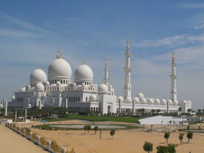 Sheikh-Zayed-Grand-Mosque_Abu-Dhabi_United-rab-Emirates