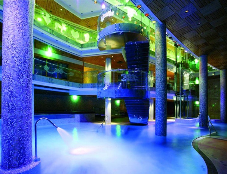 Spa-of-the-Week-Sport Wellness-Mountain-Spa-Andorra-Spa_night-7