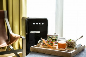 Stay-fit-get-rewarded-from-Epiphany-Hotel-Palo-Alto-and-Jawbone-1