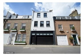 most-expensive-Tutti-Frutti-in-Knightsbridge-bedroom-house-1
