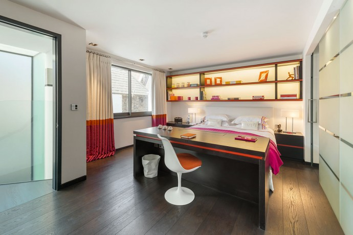 most-expensive-Tutti-Frutti-in-Knightsbridge-bedroom-house-4