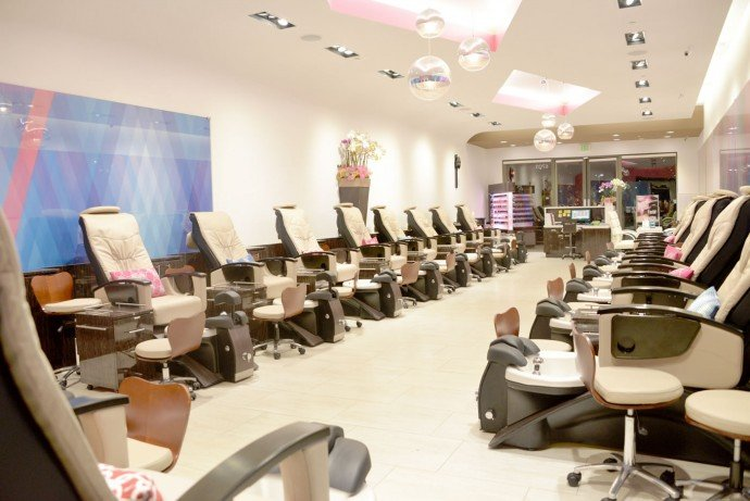 Images Luxury nail lounge at Newport Beach, CA