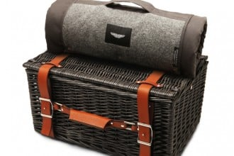 new-Aston-Martin-picnic-hamper-1
