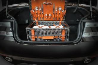 new-Aston-Martin-picnic-hamper-3