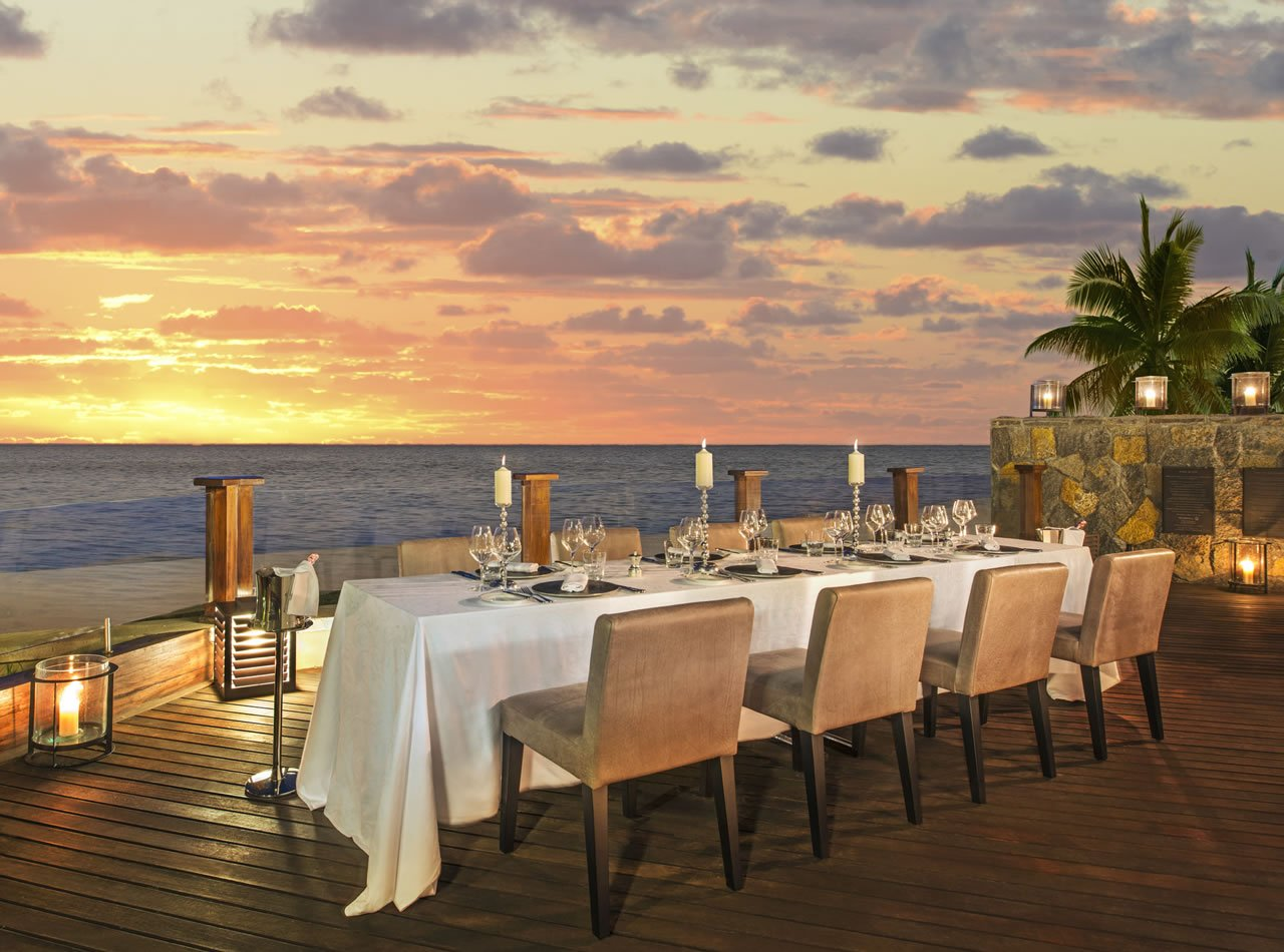 St regis mauritius colonial chic gastronomic excellence for Dinner on the terrace