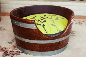 wine-barrels-repurposed-as-pet-beds-1