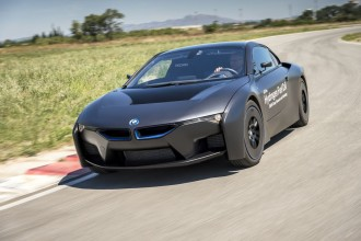 BMWs-hydrogen-powered-i8-1