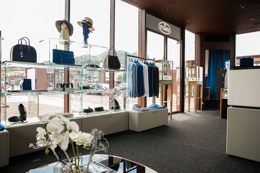 Bugatti-lifestyle-pop-up-store-in-Porto-Cervo-3