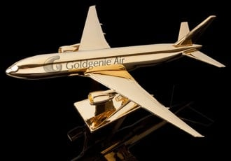 Goldgenies-gold-plated-model-airplanes-1