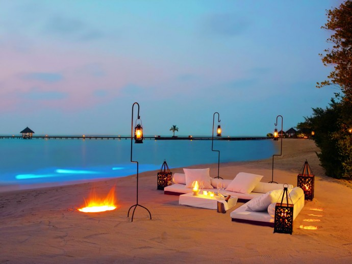 Exquisite private dining by the white-washed beach