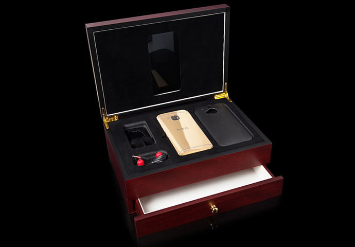 HTC-One-M9-gets-Goldgenies-24K-Gold-plated-2