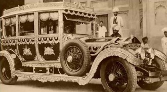 Indian-Maharaja-used-Rolls-Royces-as-garbage-trucks