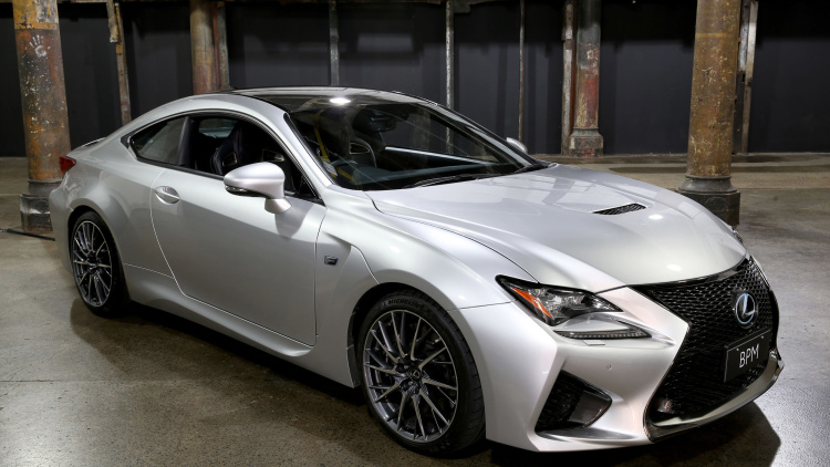 Lexus-RC-F-glows-with-your-heartbeat-car-2