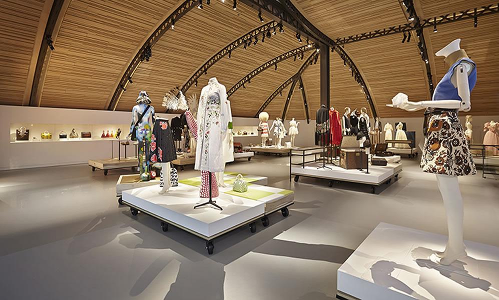 Louis-Vuittons-exclusive-La-Galerie-at-Parisian-residence-1