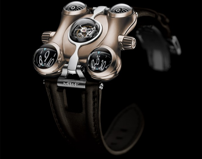 MB&F-debuts-HM6-RT-in-red-gold-2 (1)
