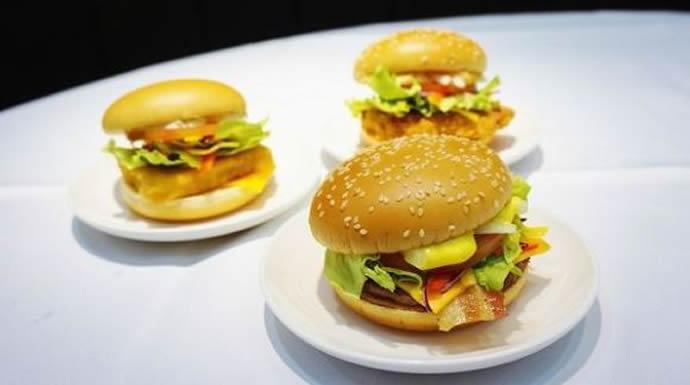 McDonald-dining-treat-in-Japan-2