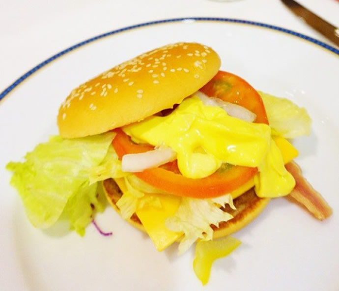 McDonald-dining-treat-in-Japan-6