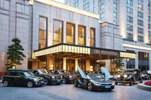 Peninsula-Shanghai-adds-a-BMW-i8-to-its-service-fleet-1