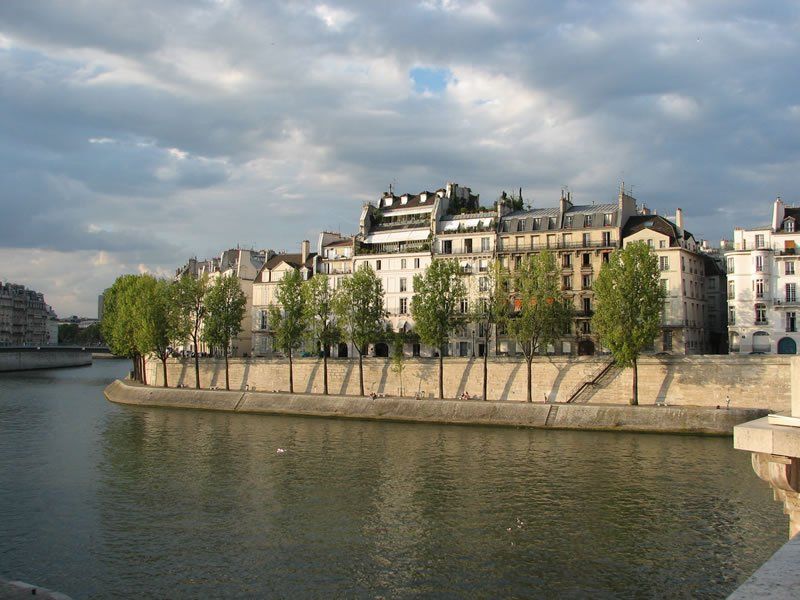 Quai-d-Orleans-Paris-France-3