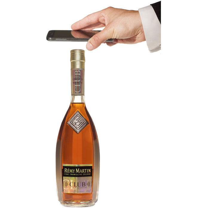 Remy-Martin-cognac-bottle-for-China-2