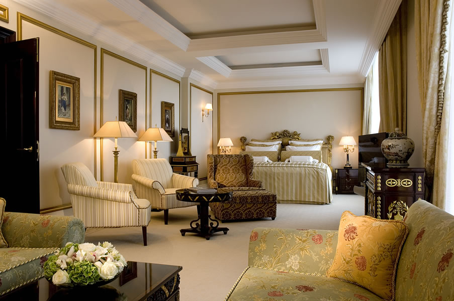 Ritz-Carlton-Suite-2