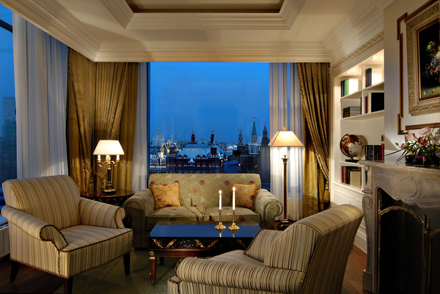 Ritz-Carlton-Suite-5