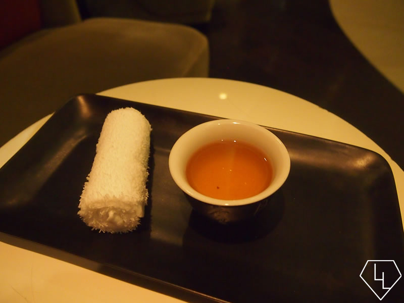 Ritz-Carlton-spa-Cold-towel-and-tea-14