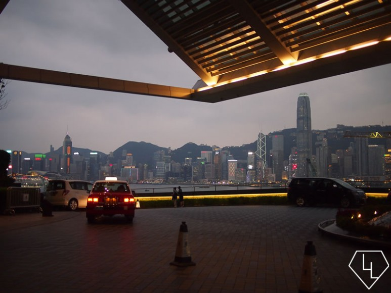 Leaving the Ritz Carlton, relaxed and refreshed, ready for a night out in HK!