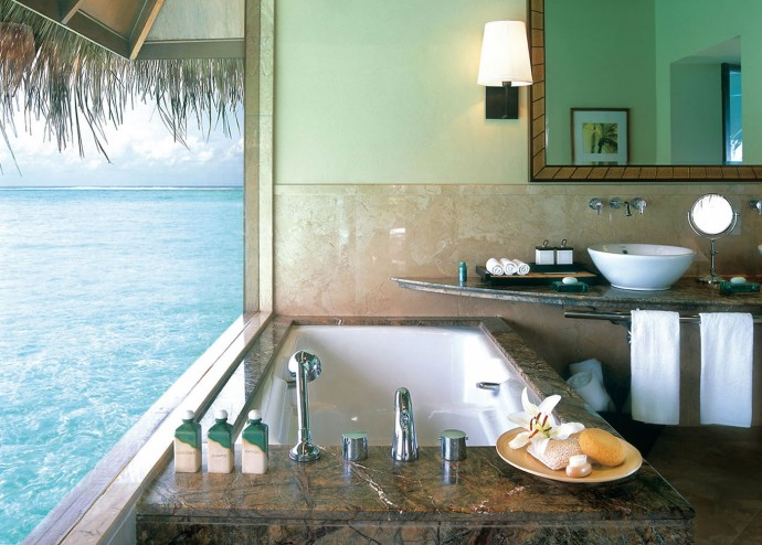 Taj-Exotica-Maldives-bathroom