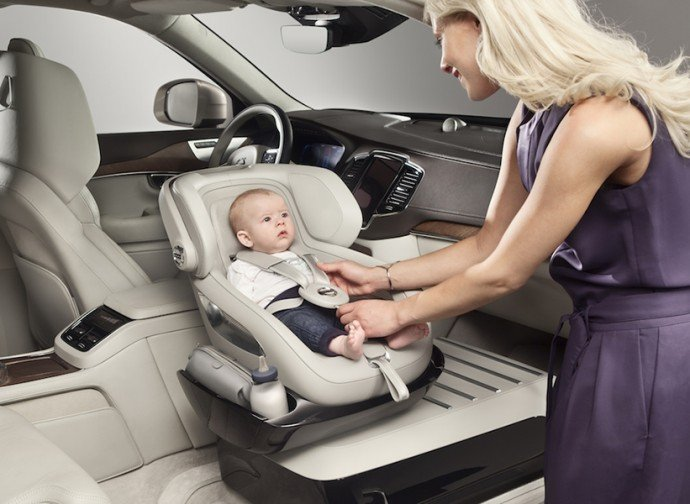 Volvo-Excellence-Child-Safety-Car-2