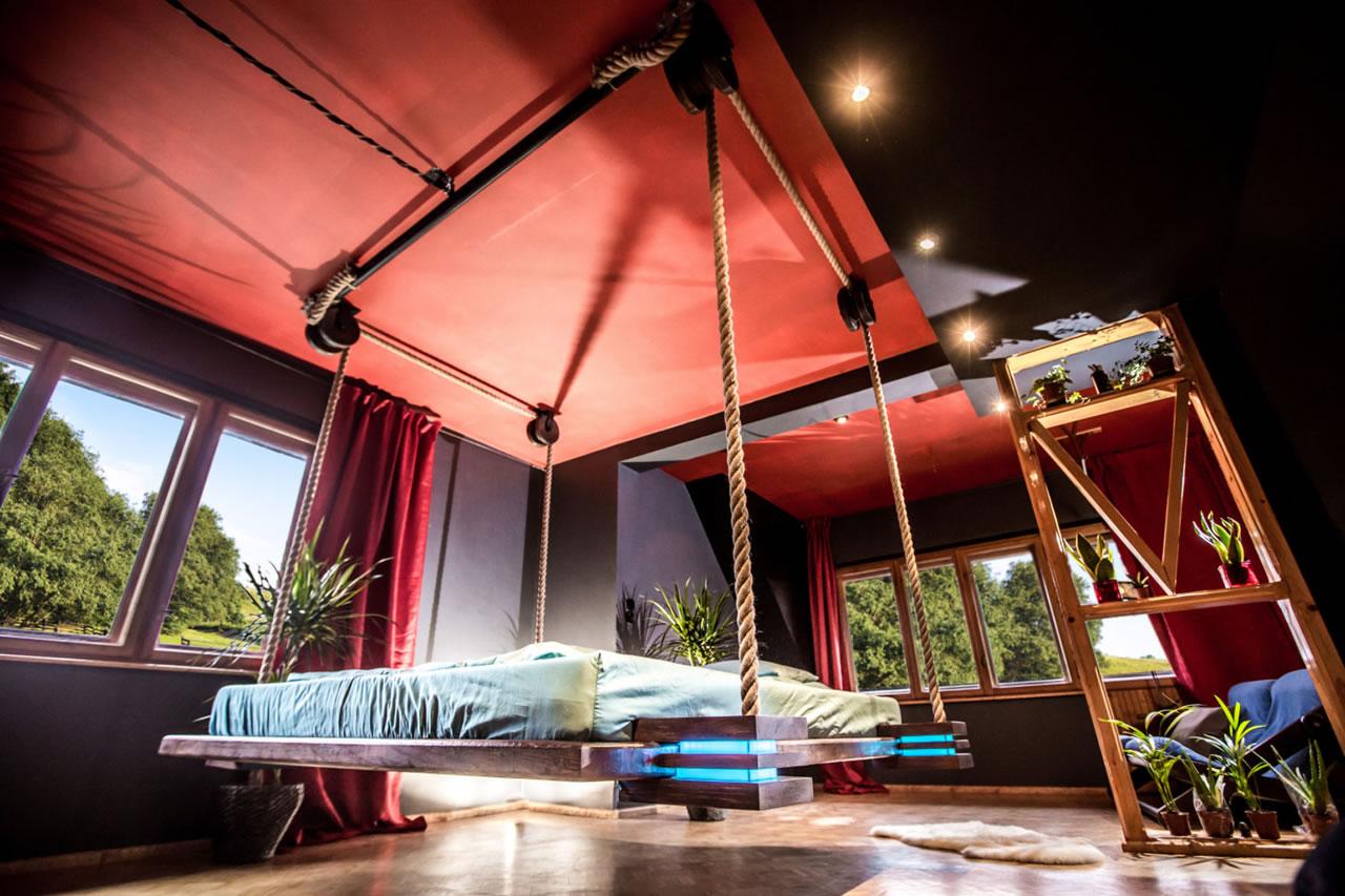 Designer Wiktor Jażwiec S Hanging Bed Hovers 18 Inches Off