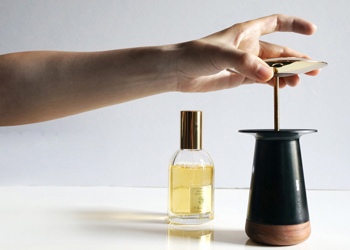 perfume-diffuser-using-centrifugal-force-and-maglev-tech-to-disperse-aroma-5