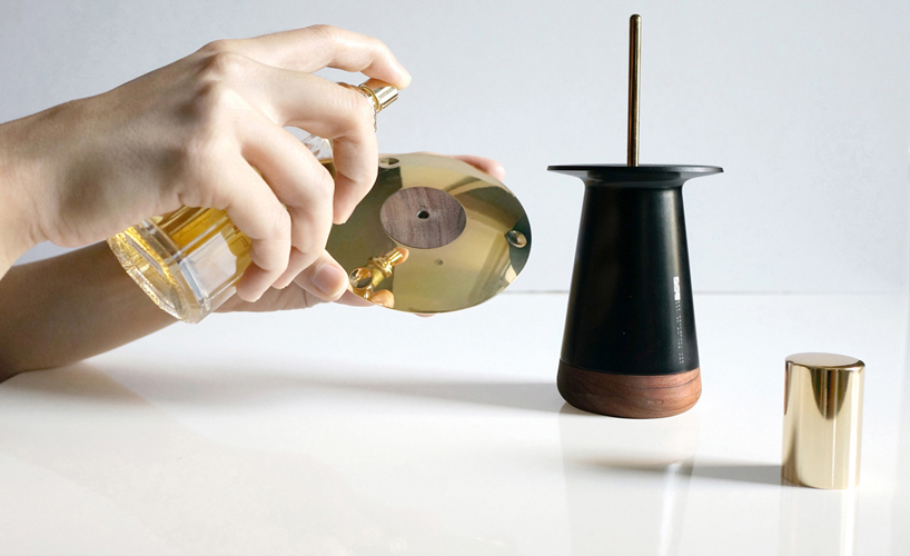 perfume-diffuser-using-centrifugal-force-and-maglev-tech-to-disperse-aroma-6
