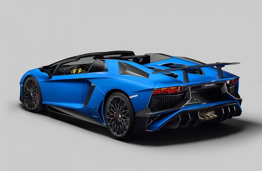 2016 Lamborghini Aventador Superveloce Roadster 2