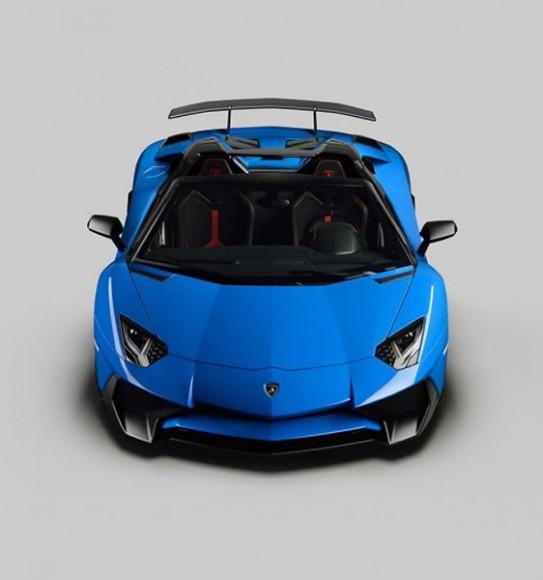 2016 Lamborghini Aventador Superveloce Roadster 3
