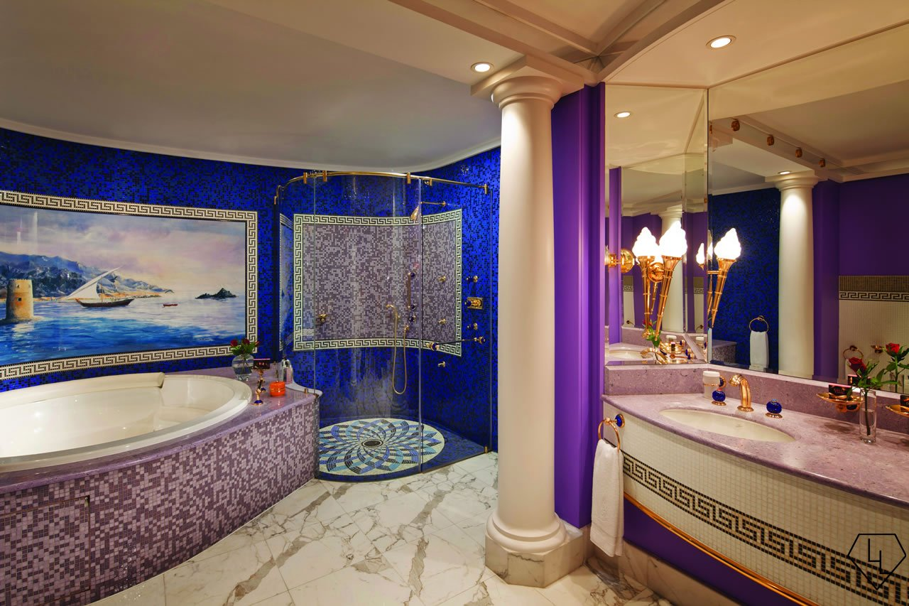 Burj Al Arab - Club Suite Upper level luxury bathroom