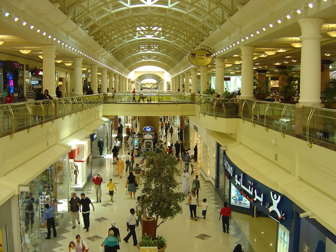 the 7 largest shopping malls in the middle east. Black Bedroom Furniture Sets. Home Design Ideas