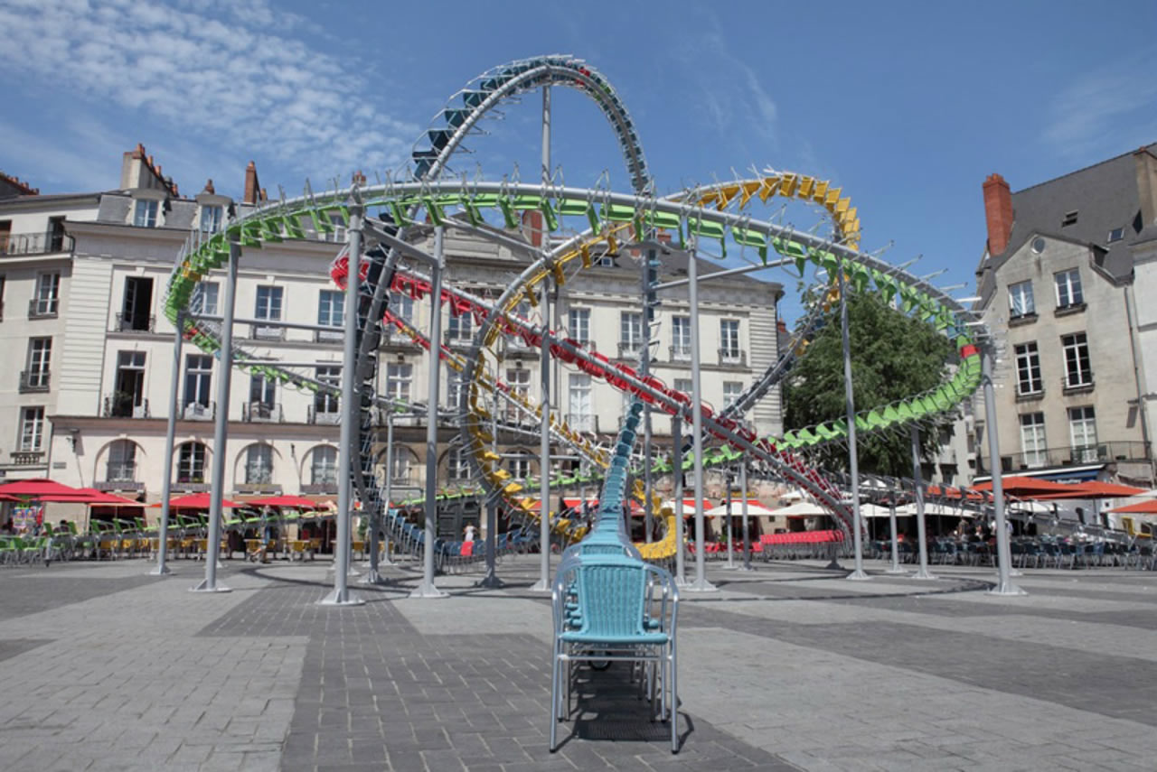 France-Nantes-pop-up-rollercoaster-cafe-4