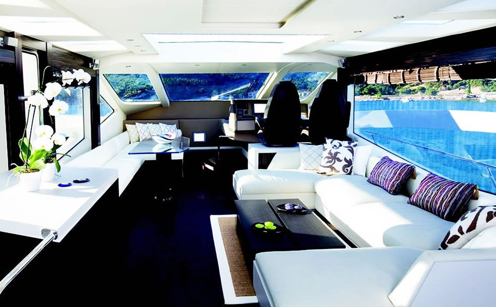 Hong Kong Airbnb-luxury-boat-3