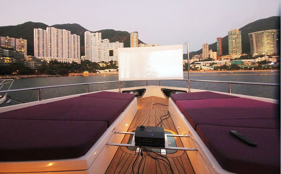 Hong Kong Airbnb-luxury-boat-4