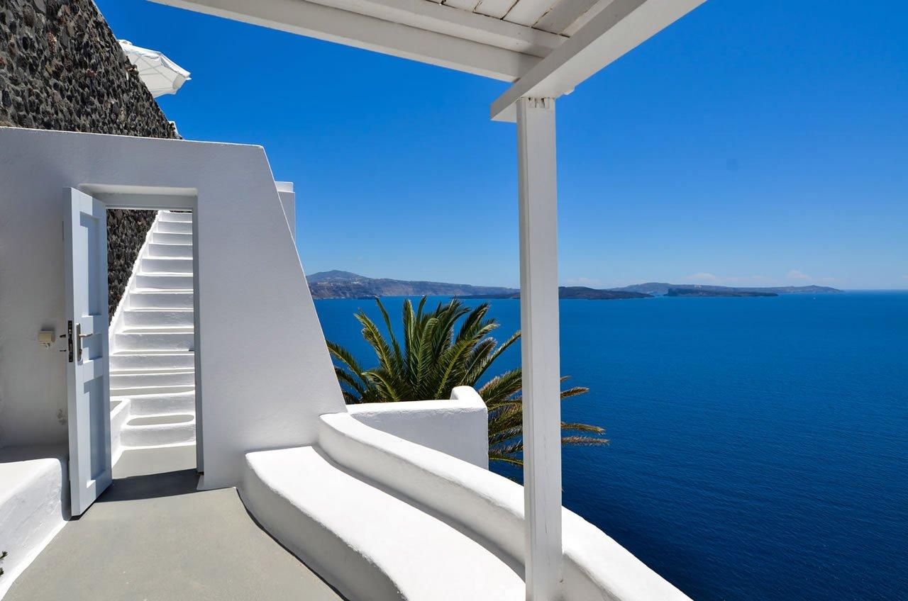 Katikies Suite at the Katikies Hotel Santorini  (2)