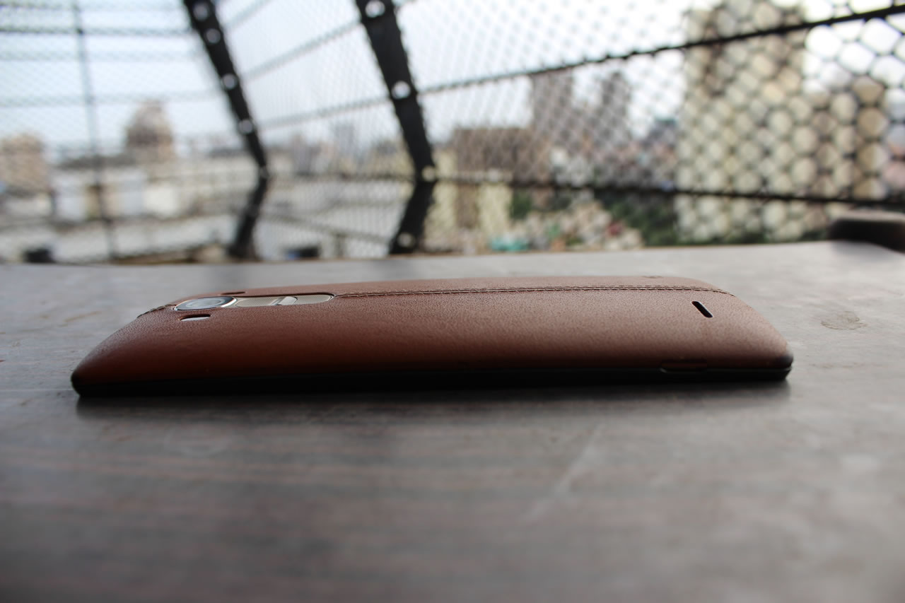 The ergonomically curved shape makes it easy to grip