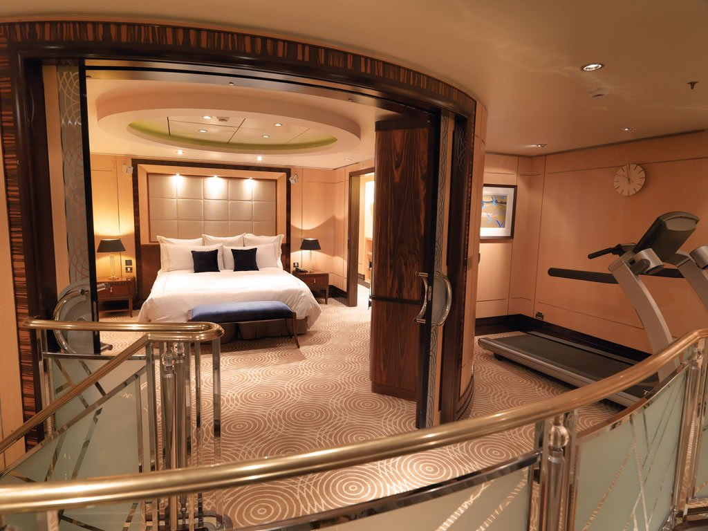 Queen Mary 2 Grand Duplex Suite