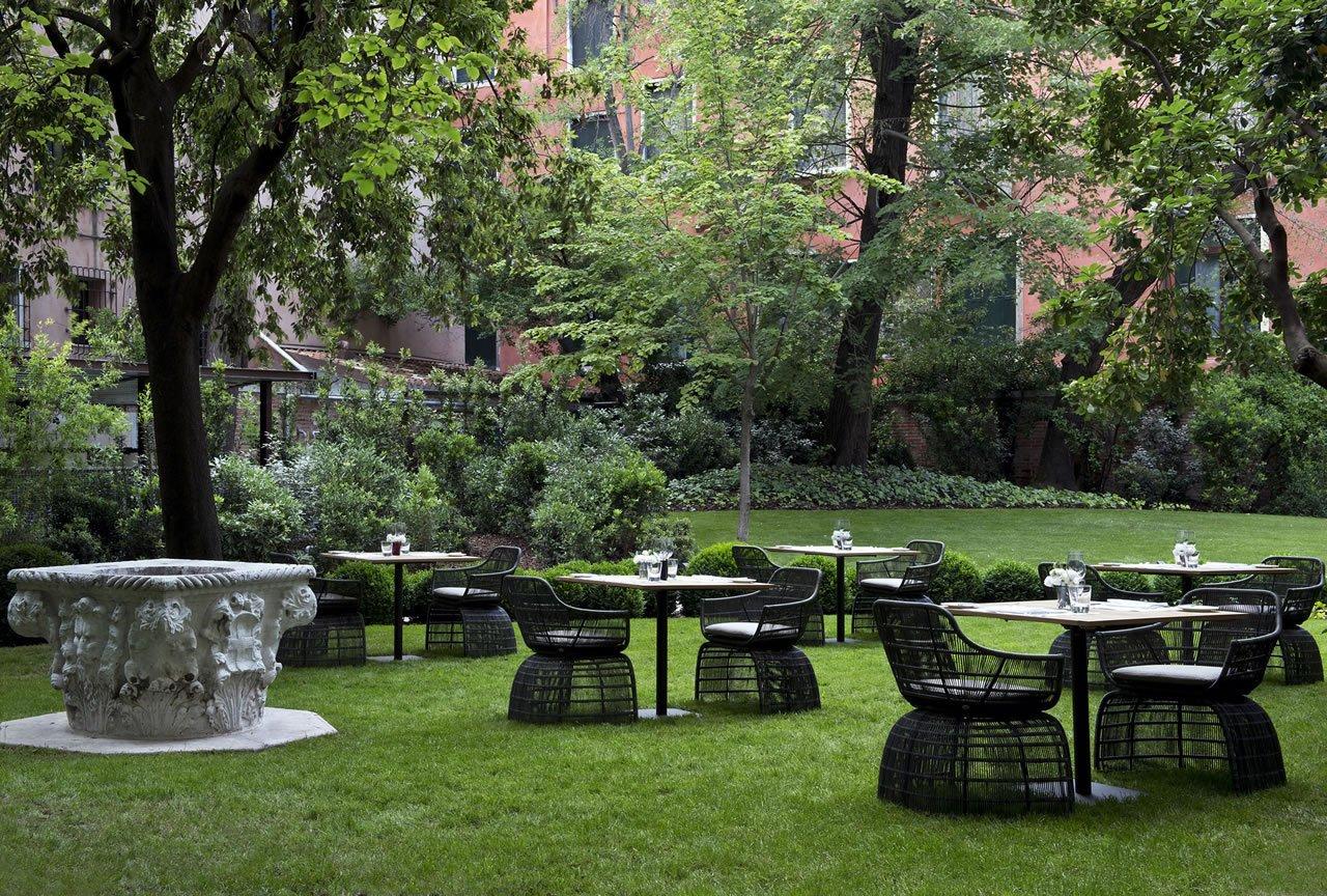 RS1939_Aman Canal Grande Venice -  Interior Garden Terrace-lpr