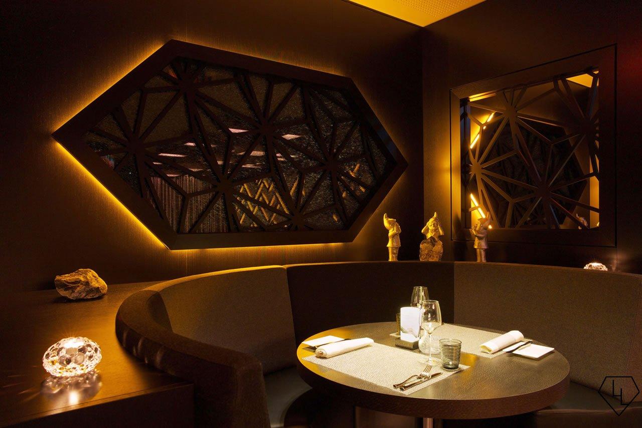 Studio Grigio restaurant at the Intercontinental Davos Seatingbooth07