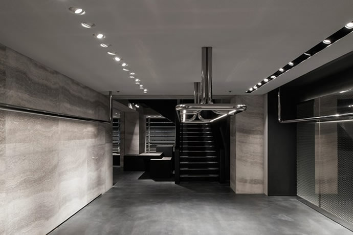 Wang opens in London 1