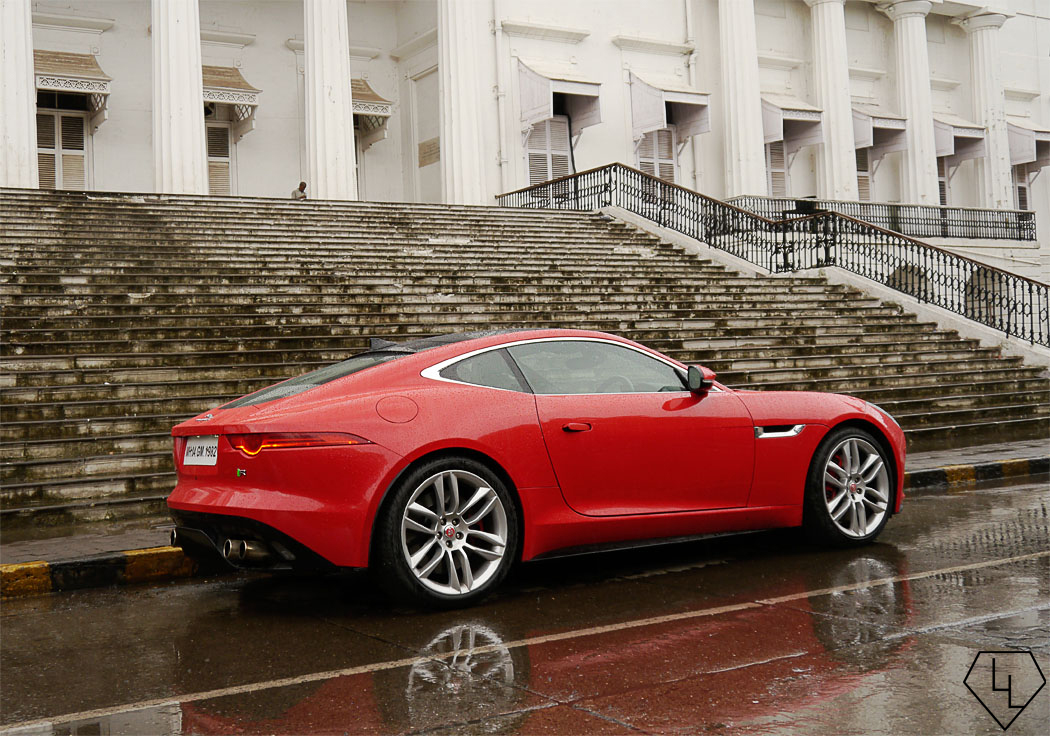 Jaguar F Type Coupe >> Scandalous in red - 48 hours with the Jaguar F-Type Coupe ...