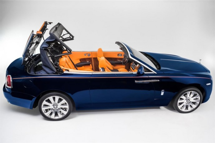 16-rolls-royce-dawn-roofless
