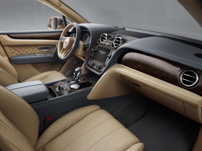 2017-Bentley-Bentayga-11