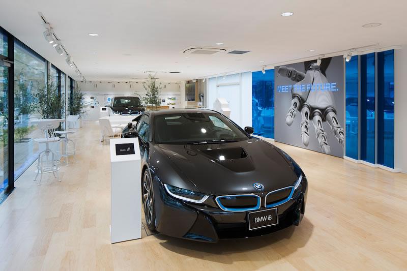 BMW i showroom in Tokyo 2